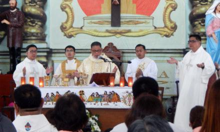 Bishop to Catholic media: Use  communication to build communion