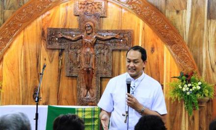 Bishop favors Bible classes in public schools