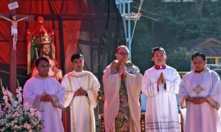Bishop tells religions to build peace
