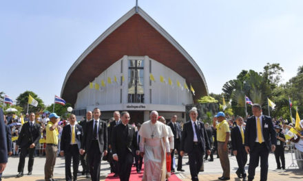 Pope Francis asks priests, religious in Thailand to inculturate the Gospel
