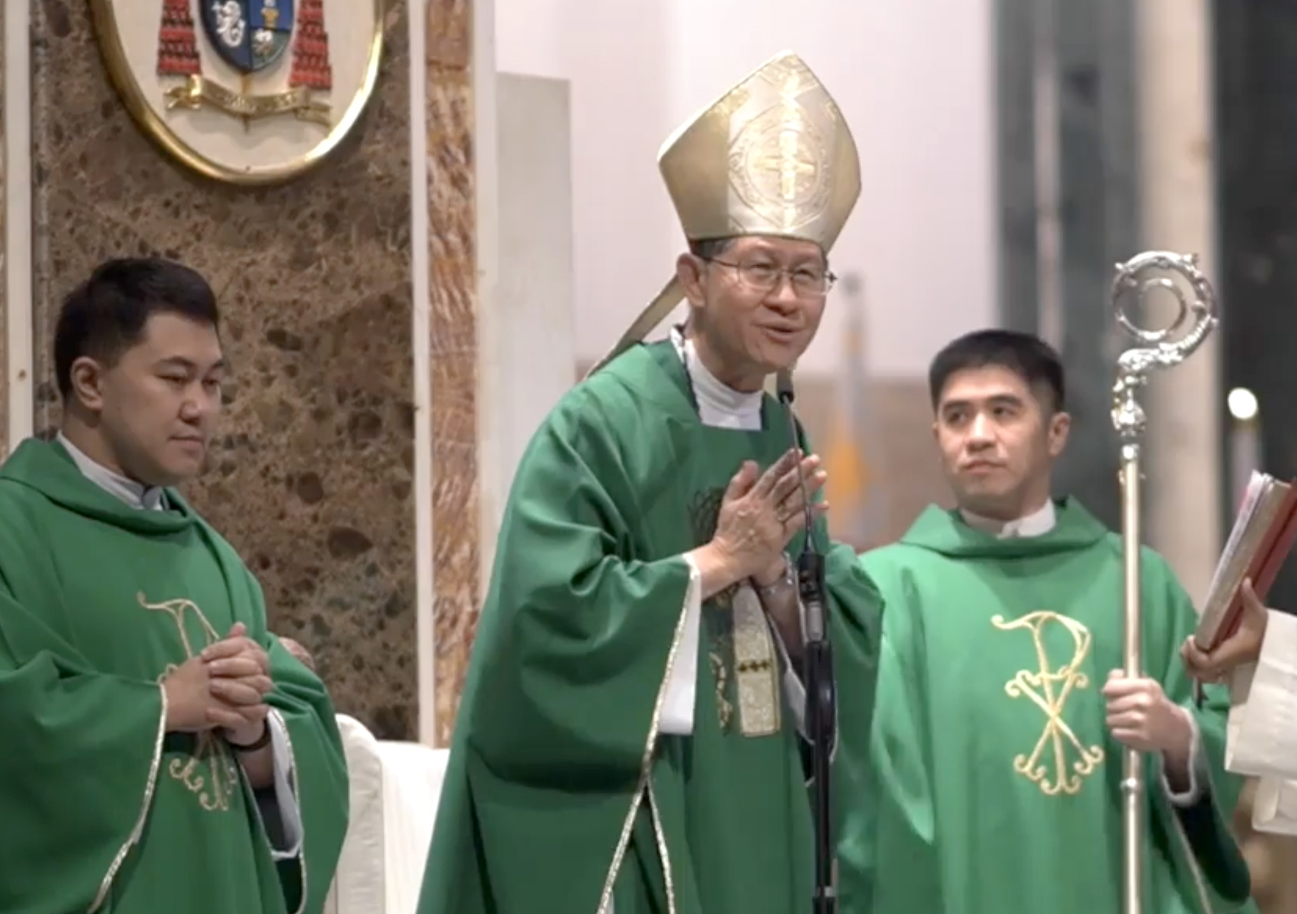 Cardinal Tagle leaves Manila for new mission in Rome
