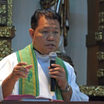 Stop 'demonizing' returning OFWs— Church exec