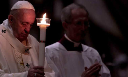 How to be hopeful? Stay close to the Lord, pope says on Candlemas