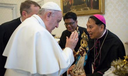 COVID-19: Filipinos in Rome invoke intercession of 'La Virgen Milagrosa de Badoc'