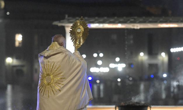 Book marks 1st anniversary of Pope Francis' Urbi et Orbi blessing as pandemic swept world