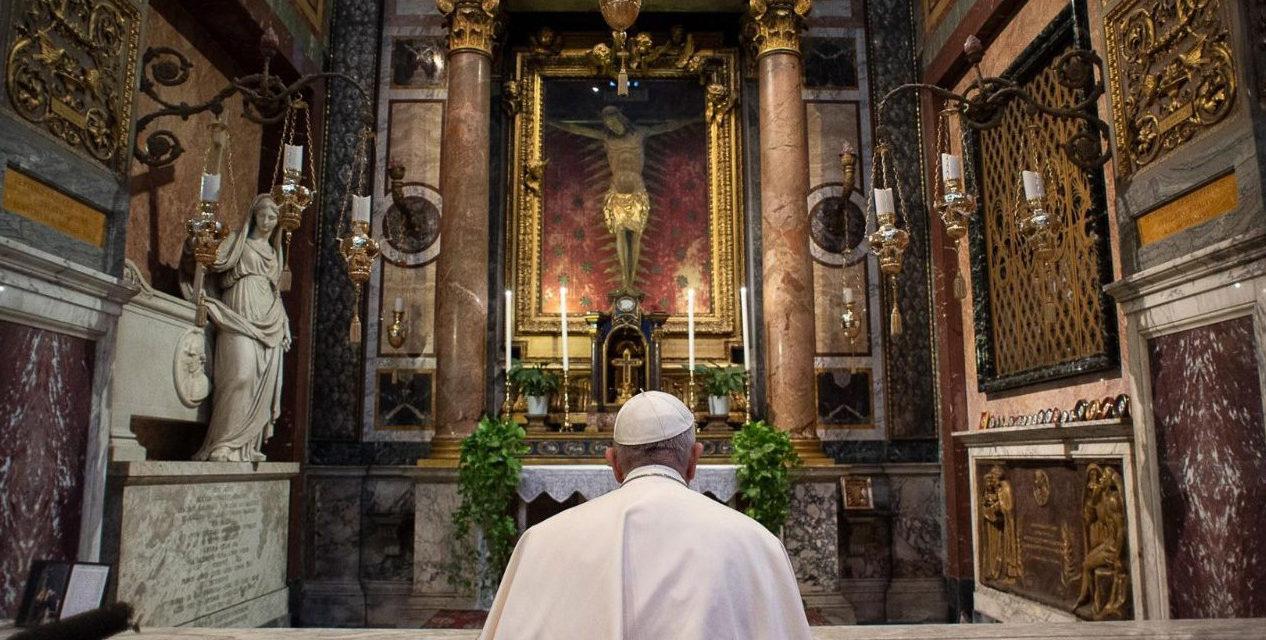 Pope Francis makes walking prayer pilgrimage for coronavirus pandemic