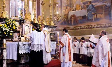 Vatican sends extraordinary form Mass survey to world's bishops