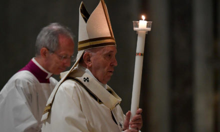 Be messengers of life amid death, says Pope Francis at Easter Vigil