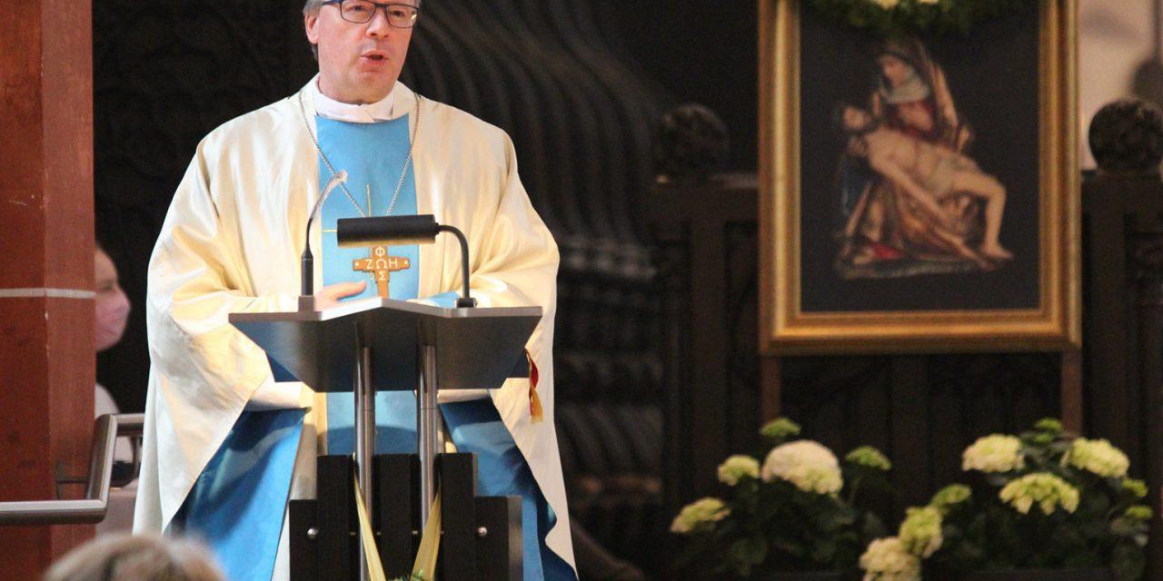 Vatican halts German diocesan plan to turn 800 parishes into 35