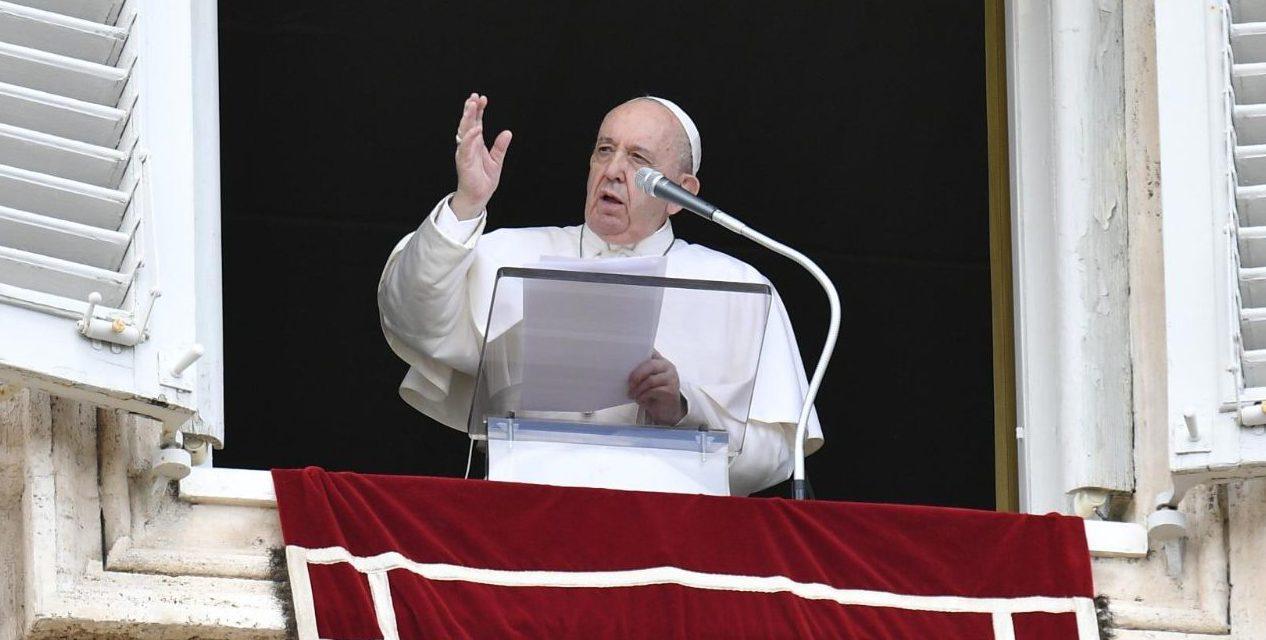 Pope Francis appeals for peace in Libya after discovery of mass graves