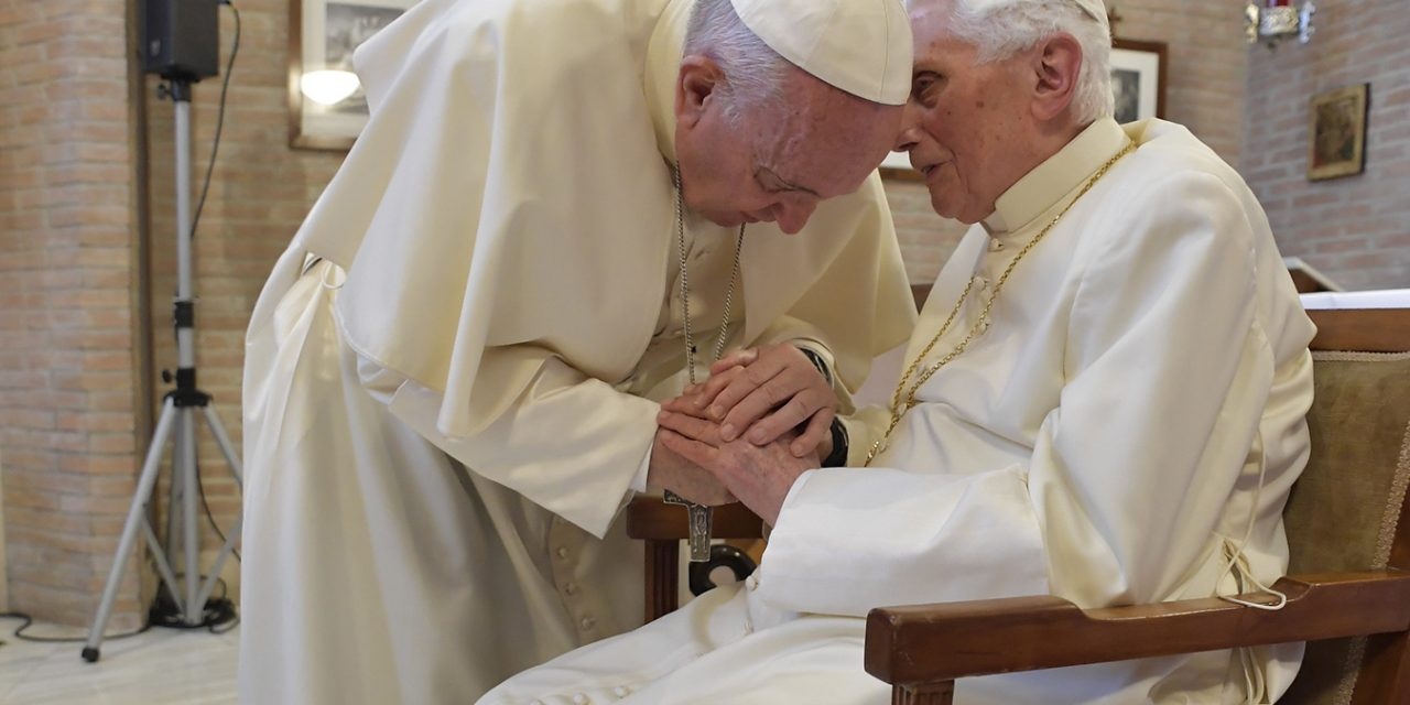 Pope Francis offers condolences to Benedict XVI following his brother's death