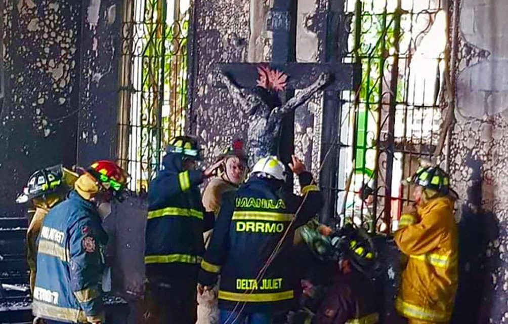 Hosts found intact in Manila church ravaged by fire