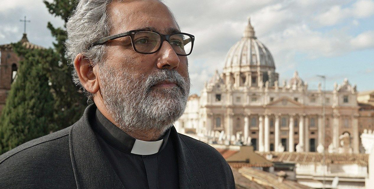 2 Vatican officials sign agreement to cooperate on fighting corruption