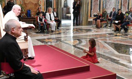 Everyone is beautiful in God's eyes, Pope Francis tells children with autism spectrum disorder