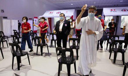 Cardinal Tagle blesses PRC Covid-19 testing facility