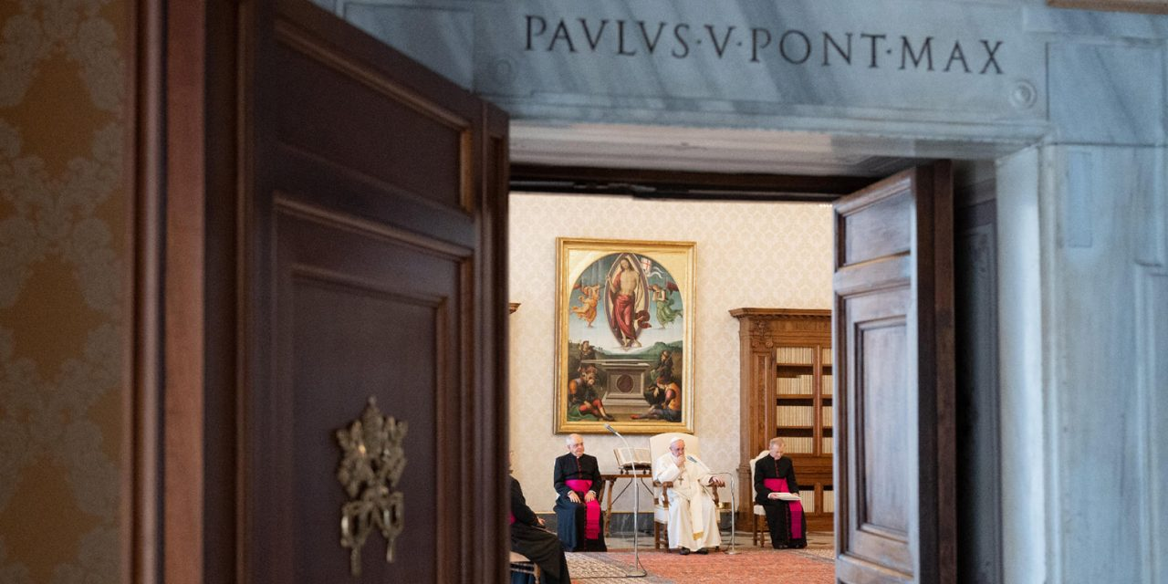 Pope Francis' general audience again moves behind closed doors