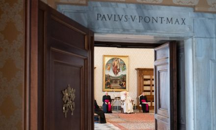 Pope Francis' general audience again moves behind closed doors