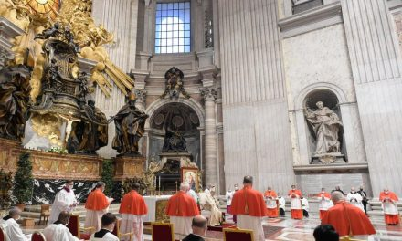 Advincula formally installed   as cardinal in unusual consistory