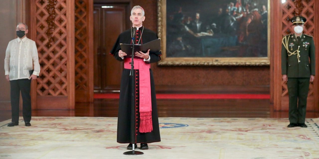 New apostolic nuncio presents credentials to Duterte