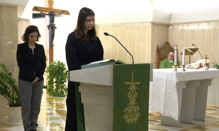 Pope Francis admits women to ministries of lector and acolyte in new motu proprio