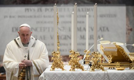 Pope Francis opens ministries of lector and acolyte to women: A CNA Explainer