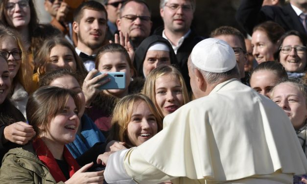 Pope Francis: Witness to the truth by exposing 'fake news'