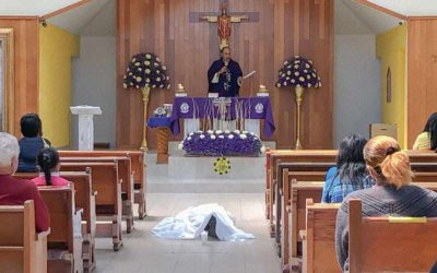 Man dies on his knees in front of altar in Mexico City church