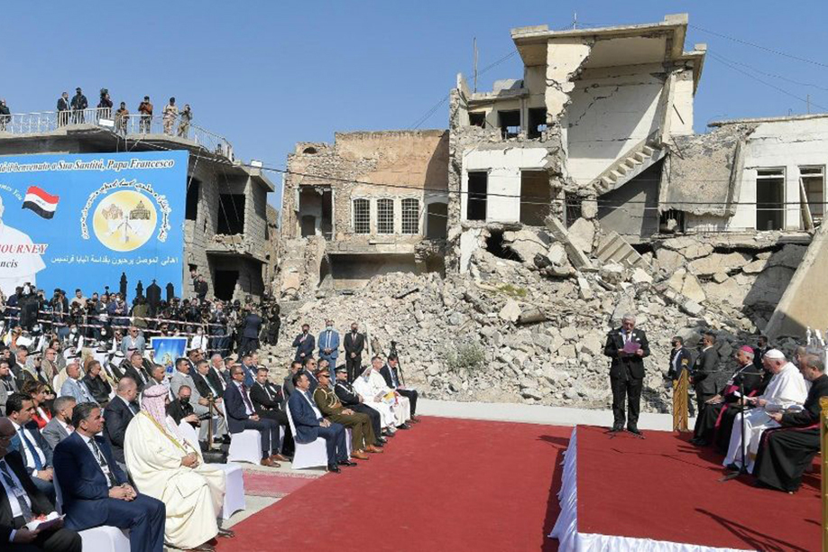 Pope Francis prays for victims of war in ruins of Mosul