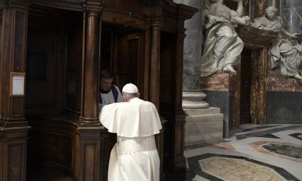 Pope Francis: Going to confession is 'abandoning oneself to Love'