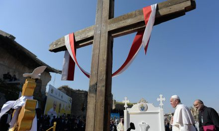 Iraqi cardinal: Pope Francis gave $350,000 for poor during Iraq trip