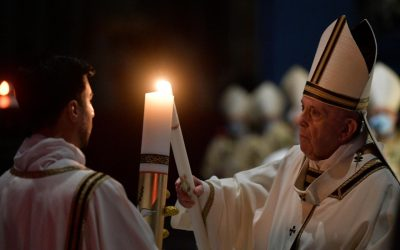 Pope Francis at Easter Vigil: 'The Risen Lord loves us without limits'