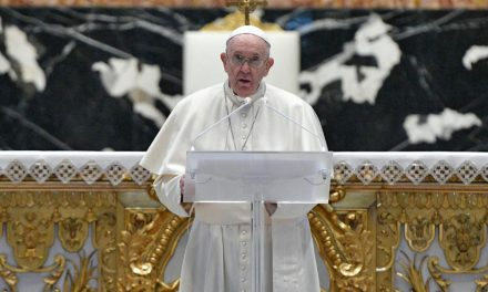 Pope Francis on Easter: Christ's wounds are the 'seal of his love for us'