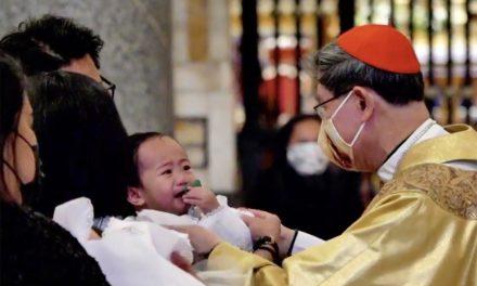 Baptizing kids, Cardinal Tagle says faith can't be measured by 'pakimkim'