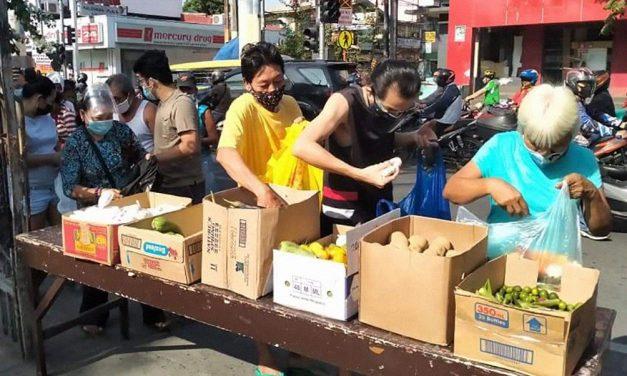 Bishop urges Manila parishes to open 'community pantries'