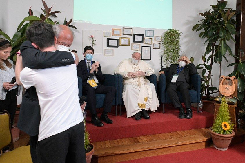 Charity is fundamental to politics, Pope Francis tells youth