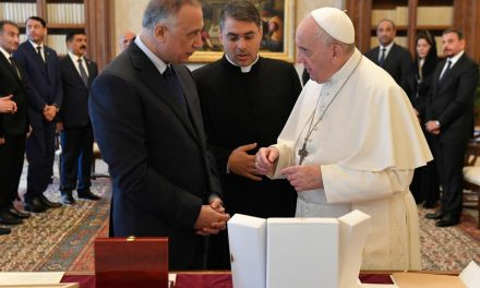 Pope Francis discusses protection of Christians with Iraqi prime minister