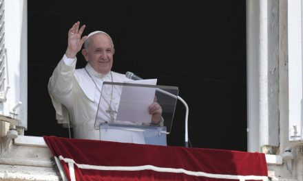 Pope Francis grateful for prayers as he recovers from intestinal surgery