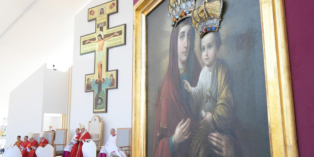 Christianity without the Cross is 'sterile,' says Pope Francis at Byzantine Divine Liturgy