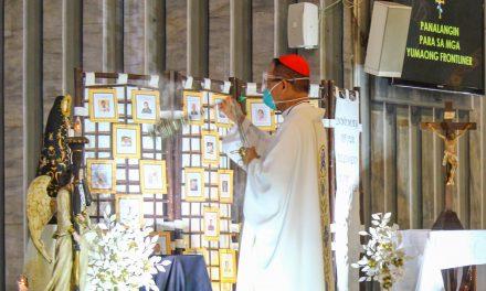 Cardinal Advincula honors Covid-19 frontliners