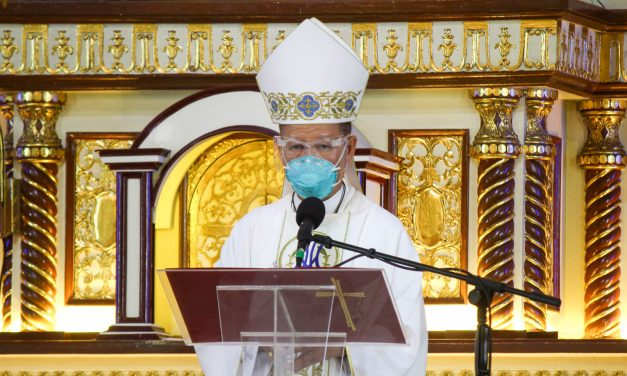 Cardinal Advincula tests positive for coronavirus