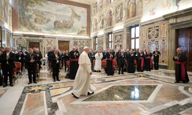 Pope Francis hopes new ministry of catechist will 'awaken this vocation'