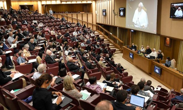 Pope Francis warns leaders of Catholic movements not to abuse power