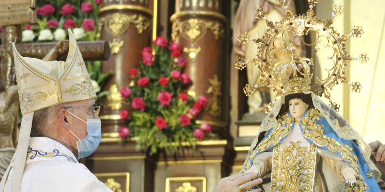 'Mother of Novaliches' receives pontifical coronation