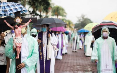 Dumaguete bishop, priests hold 'penitential walk' to protect life, environment